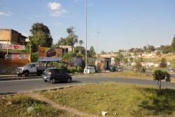 Outdoor, Mídia Exterior: Trevo Via Expressa e Av. João César de Oliveira, viaduto Beatriz, sentido BH