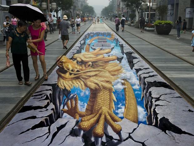 Contagem outdoor pinturas 3d china dragao Pinturas em 3D são atração em ponto turístico de Pequim   Outdoor em BH, Contagem, Betim   Contagem Outdoor