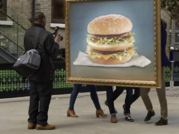 Contagem outdoor midia externa mc donald big mac Ninguém consegue pensar em nada ao ver um Big Mac, diz ação   Outdoor em BH, Contagem, Betim   Contagem Outdoor