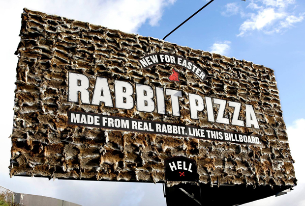 Pizza Hell NZ DESTAQUE PIZZARIA DA NOVA ZELÂNDIA OUSA E GERA POLÊMICA   Outdoor em BH, Contagem, Betim   Contagem Outdoor