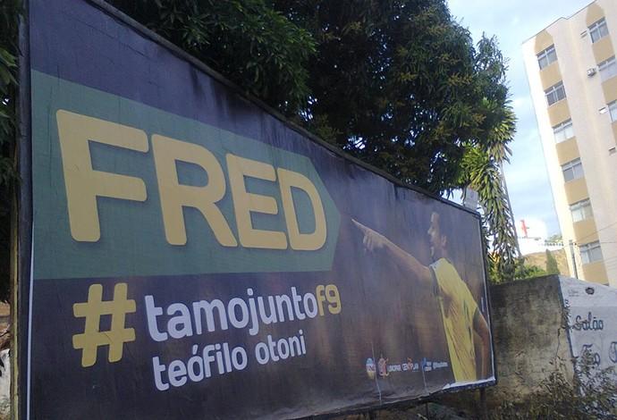 fred 1 1 Atacante Fred ganha homenagens em outdoors pelas ruas de Teófilo Otoni   Outdoor em BH, Contagem, Betim   Contagem Outdoor